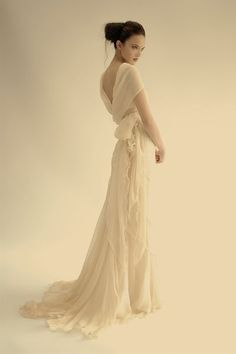 I think this is so pretty! Even tho i am married and am not looking for a dress!