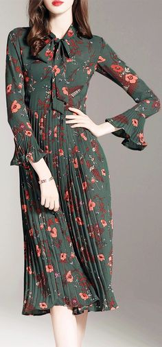 Tie Collar Floral Pleated Dress