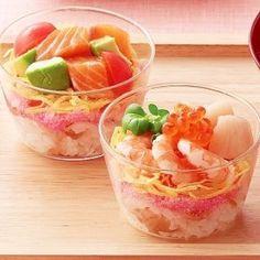 画像 Sushi Cake, Sushi Party, Sushi Set, Asian Seafood Recipe, Seafood Recipes, Sushi Recipes, Cooking Recipes, Japenese Food, Food Therapy