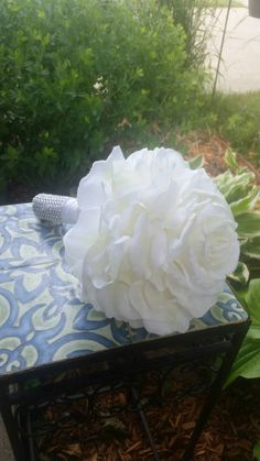 Check out this item in my Etsy shop https://www.etsy.com/listing/428364095/huge-single-rose-bride-bouquet