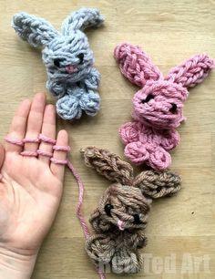 Easy Finger Knitting Bunny Diy - Oh-My-Cuteness How Darling Are ; easy finger knitting bunny diy - oh-meine-niedlichkeit, wie liebling sind ; easy finger knitting bunny diy - oh-my-cuteness how darling are Kids Crafts, Bunny Crafts, Cute Crafts, Easter Crafts, Projects For Kids, Diy For Kids, Craft Projects, Rabbit Crafts, Easter Projects