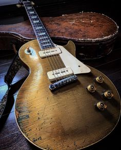 Gibson Lp, Gibson Epiphone, Gibson Guitars, Gibson Les Paul, Guitar Solo, Guitar Amp, Cool Guitar, Acoustic Guitar, Gibson Electric Guitar