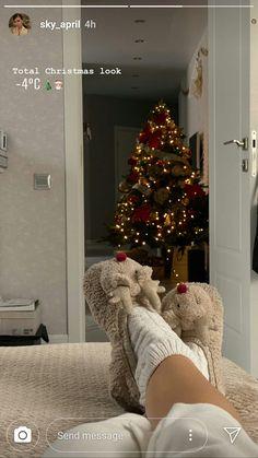 Cosy Christmas, Christmas Feeling, Merry Little Christmas, Christmas Time, Xmas, Christmas Decorations, Holiday Decor, Christmas Aesthetic, Baby Winter