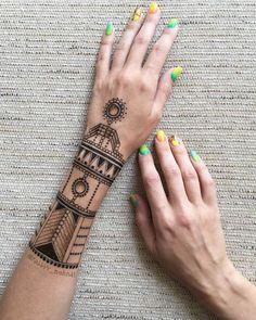 Mehndi Designs will blow up your mind. We show you the latest Bridal, Arabic, Indian Mehandi designs and Henna designs. Tribal Henna Designs, Henna Tattoo Designs Arm, Stylish Mehndi Designs, Beautiful Henna Designs, Latest Mehndi Designs, Mehndi Tattoo, Mehndi Designs For Hands, Mandala Tattoo, Henna Tattoos