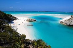 7 Must-visit Places to Discover on Your Caribbean Yacht Charter | Shroud Cay, Bahamas | Travel