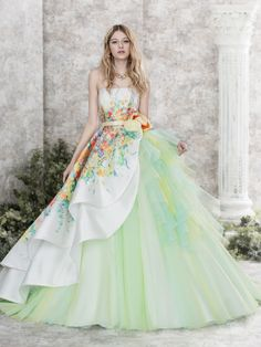 I feel cheesy saying this, but I really love the fairytale ballgowns Ball Dresses, Ball Gowns, Prom Dresses, Formal Dresses, Wedding Dresses, Beautiful Gowns, Beautiful Outfits, Gowns Of Elegance, Quinceanera Dresses