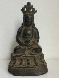 Boeddha Amitayus gietijzer - China - 16e/17e eeuw (Ming periode)