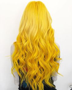 B-a-n-a-n-a-s ARCTICFOXHAIRCOLOR in Cosmic Sunshine arcticfoxhaircolor lvblownstyle cosmicsunshine beauty worksonline extensions Inspo Cheveux, Yellow Hair Color, Arctic Fox Hair Color, Coloured Hair, Dye My Hair, Grunge Hair, Pretty Hairstyles, Hair Looks, Hair Inspiration