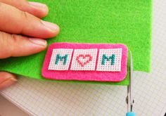 How to make a cross-stitched brooch for Mother's Day