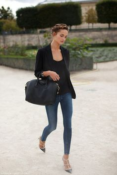 Glamour Obsession: French, do it Better via la dolce vita. A French woman knows less is more by pairing skinnies with a perfectly tailored blazer over a simple black tee, topped off with killer stilettos, and playful braids (a classic black purse is a must). LOVE the shoes.