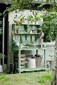 Gartenschrank - eine praktische Bereicherung Ihres Gartens - http://freshideen.com/gartenmobel/gartenschrank.html
