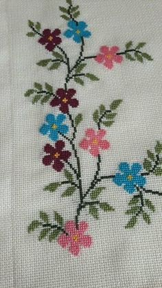 Seccade Modelleri - - Prayer Rug Models - the rug - they rug Easy Cross Stitch Patterns, Simple Cross Stitch, Beaded Cross Stitch, Cross Stitch Borders, Cross Stitch Flowers, Cross Stitch Charts, Cross Stitch Designs, Cross Stitch Embroidery, Crochet Borders
