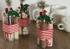 Zelf te maken Hot Chocolate Kits voor kerstmis erg leuk om te geven #feestdagen
