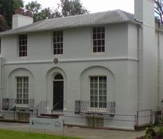 John Keats lived in this house in Hampstead for two years before he died.....it's here he wrote some of his most famous poems and had an affair with Fanny Brawne, the teenage girl next door.