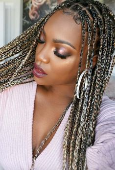 Keep reading for some major box braids inspo, from loose braids to half updos or messy ponytails, as well as the best practices to protect your hair while in braids! Box Braids Updo, Afro Braids, Blonde Box Braids, Box Braids Styling, Box Plaits, Cute Box Braids, Crown Braids, Messy Braids, Braided Ponytail