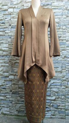 Model Kebaya Modern, Kebaya Modern Dress, Hijab Dress Party, Batik Kebaya, Muslim Fashion, Bell Sleeve Top, Bridesmaid, Fashion Outfits, Formal