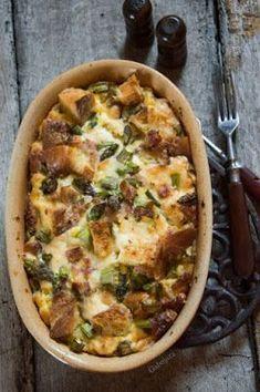"""""""Anya, ez isteni!..."""", avagy Gabojsza konyhája: Sonkás-spárgás strata, az olasz kenyérpuding"""