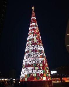 #Milano #alberodinatale #digitale #piazzagaeaulenti #colori #luci #igersmilano…