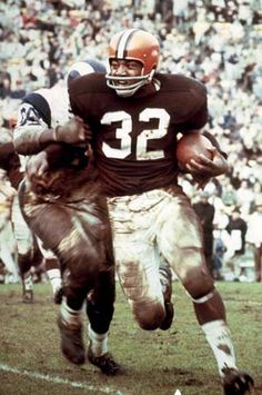Jim Brown - 1 of the top 5 greatest RBs of all time