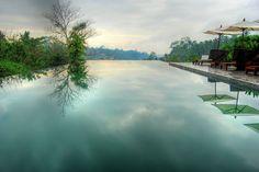 Incredible Infinity Pool in Bali 2 pool backyard Ubud Hotels, Infinity Pools, Pool Picture, To Infinity And Beyond, Cool Pools, Awesome Pools, Pool Designs, Phuket, Santorini