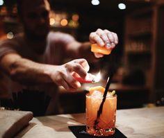 Sonnenschein in Gläsern abgefüllt gibt es in der old night owl im Beach Motel Sankt Peter-Ording. Probiere den 'Jigger of the month' - jeden Monat kreiert das o.n.o Team einen neuen Drink des Monats