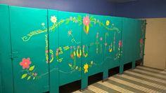 School Decorations, School Themes, School Murals, Art School, Bathroom Mural, Bathroom Stall, School Bathroom, School Painting, School Motivation