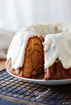 Bolo estilo Rolinhos de Canela... ou Cinnamon Rolls Bundt Cake | A Cozinha…