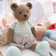 Ravelry: TEAROOM Bears: Method 2 by Susan Hickson