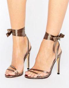 Truffle - Sandali con allacciatura alla caviglia e tacco sottile