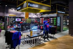 """Sun & Sand Sports, Dubai, U.A.E.: This Middle Eastern sports apparel retailer showcases a strong identity, without overshadowing its """"house of brands"""" aesthetic. Photography: Armil Veloso, Dubai, U.A.E"""