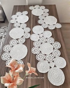 Study In Circles Crochet Motif Table Runner Pattern Crochet Circles, Crochet Motifs, Crochet Squares, Crochet Doilies, Crochet Flowers, Crochet Stitches, Crochet Table Runner, Table Runner Pattern, Crochet Tablecloth