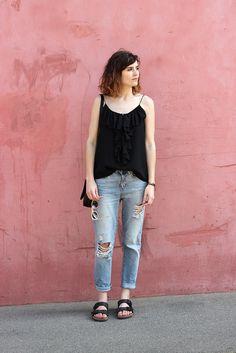 Birkenstock + boyfriend jeans and ruffle top