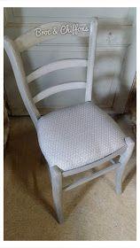 Broc et Chiffons Relooking de meubles dans les deux sèvres 79. Patine à l'ancienne: Comment moderniser des chaises en paille ?! Rustic Chair, Colorful Chairs, Old Furniture, Dining Chairs, Chiffons, Penne, Foyer, Couture, Home Decor