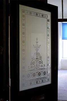 A replacement etched door window with a decorative Victorian pattern for this Byres Road, West End, Glasgow tenement flat. Frosted Glass Design, Frosted Glass Door, Etched Glass Door, Etched Mirror, Glass Pantry Door, Glass Front Door, Glass Doors, Window Glass, Glass Partition