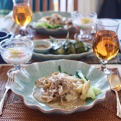 9月の中級タイ料理教室のメニュー #ラートナー (タイ風あんかけ麺) #ガイホーバイトゥーイ (鶏肉のパンダンリーフ包み揚げ) #タプティムクロープ (クワイココナッツミルク) . . คลาสสอนอาหารชั้นกลางเดือนนี้ค่ะ เมนู#ราดหน้า #ไก่ห่อใบเตย #ทับทิมกรอบ  . . #タイ料理 #タイ料理教室 #タイ料理レッスン #料理教室 #エスニック料理 #アジアン料理 #美味しい #あんかけ #麺 #クッキングラム #クッキング #ランチ #おもてなし料理 #おうちごはん #フードコーディネーター #テーブルコーディネート #習い事 #sirikitchen #onthetable #thaifood #foodpicture #cookingschool #noodles