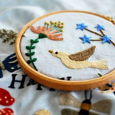 Instagram photo by @yumikohiguchi via ink361.com Crystal Embroidery, Embroidery Motifs, Silk Ribbon Embroidery, Embroidery Thread, Embroidery Ideas, Hand Embroidery Tutorial, Creative Embroidery, Hand Quilting, Textile Art