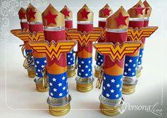Tubete Personalizado Mulher Maravilha Wonder Woman Birthday, Wonder Woman Party, Unicorn Birthday Parties, Birthday Party Decorations, Ben Y Holly, Wander Woman, Hero Girl, Ideas Para Fiestas, Superhero Party