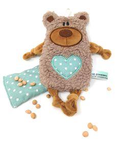 Personalisiertes Plüschtier Baby Bär hellbraun mit Namen als Wärmekissen oder Knister-Tuch und Schnullertasche. Ein süßes Baby Geschenk Dinosaur Stuffed Animal, Teddy Bear, Toys, Animals, Baby Bears, Pacifiers, Baby Favors, Totes, Activity Toys