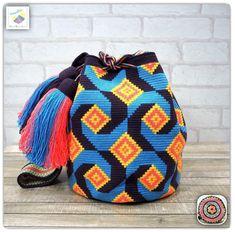 19 отметок «Нравится», 3 комментариев — Wayuu Bags &Bikini etc. (@wayuukiss) в Instagram: «Wayuu bag one strand รุ่น premium quality ⭕️Sold out⭕️ •ฐาน 8นิ้ว สูง 9นิ้ว •สายยาว 100cm. •ฟรี Ems…»