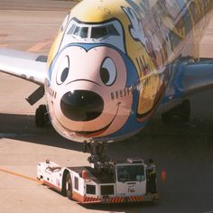 Mickey has his own plane? Aviation Humor, Civil Aviation, Aviation Art, Commercial Plane, Commercial Aircraft, Passenger Aircraft, Aircraft Painting, Airplane Art, Aircraft Pictures