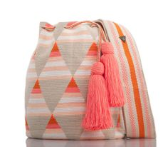 SUSU Evanescent Crossbody Mochila - Rush Tutorial and Ideas Hand Knit Bag, Mochila Crochet, Tapestry Crochet Patterns, Tapestry Bag, Crochet Handbags, Knitted Bags, Love Crochet, Leather Craft, Tote Bags