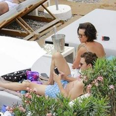 Jamie and Amelia spending time at the beach 14th July   #jamiedornan #ameliawarner #jamieandamelia #proudjamieandameliasupporter