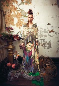 Australian designer Camilla Franks' kaftans and dresses are exactly what I'd imagine wearing 24/7 in my paradisal utopia. Her explosive prints are simply mind blowing and the details in the styling of her fall lookbook are utterly inspiring. Honestly, glorious! #bohemian ☮k☮ #boho #hippie