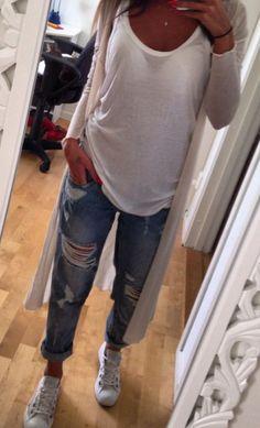 ripped boyfriend + white tee + long cape