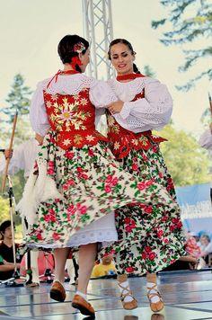 File:Polenez Dance Group, Surrey Fusion Festival 2010 b. Polish Clothing, Folk Clothing, Art Costume, Folk Costume, Polish Embroidery, Shall We Dance, Folk Dance, Ethnic Dress, Culture