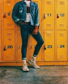 Blue denim on blue denim was an outfit many wore towards the end of the This style has been making a slight comeback in Indie Outfits, Retro Outfits, Cool Outfits, Vintage Outfits, Casual Outfits, Fashion Outfits, Fashion Ideas, Grunge Outfits, Simple Outfits