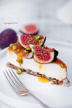 Four Kitchen Decorating Suggestions Which Can Be Cheap And Simple To Carry Out Sernik Z Figami I Orzechami Pie Recipes, Cookie Recipes, Dessert Recipes, Easy Desserts, Delicious Desserts, New Fruit, Food Items, Sweet Tooth, Food Photography