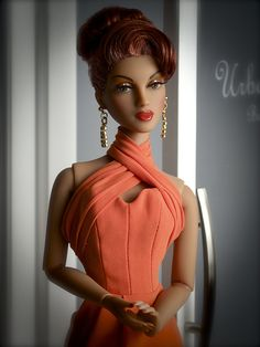 The Studio Commissary: Quick shot of HC Violet (photo)  -  Posted by Tom in CA [Email User] on August 3, 2016, 9:31 pm.  She's very elegant. With this hairstyle (by Ilaria) and gown, she's starting to look more late 60s/early 70s, isn't she?  Enjoy!  Tom in CA