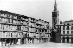 Este era el aspecto de la Plaza de San Francisco en 1860. Nunca mejor dicho; plaza mayor de Sevilla
