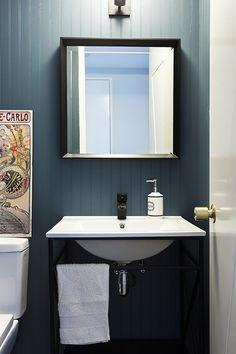 Grifería Lavatorio Stretto - Línea Dessin Negro Mate Back To Black, Vanity, Bathroom, Color, Matte Black, Drawing Drawing, Painted Makeup Vanity, Washroom, Lowboy